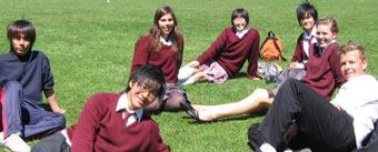 ランチタイム 外 NZ 中学校・高校 学校生活